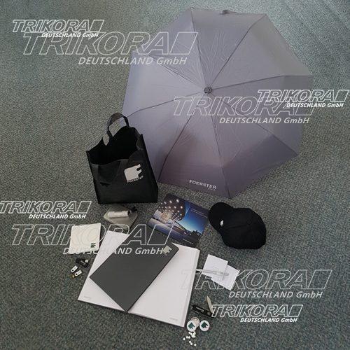 Tasche_Cap_Mousepad_Taschenlampe_Schirm_Schreibbuch_Taschenmesser_Notizzettel_USB-Stick_TAschenlampe_Kugelschreiber_Minzebox